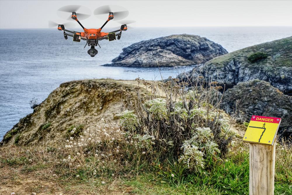Intervention d'un drone en bord de falaise